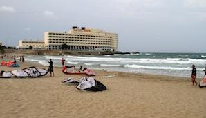 Asi nejlepší vlny u hotelu Galua