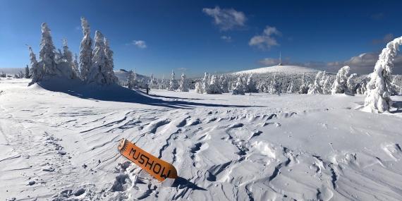 Na Práďu je nyní nejvíc sněhu za celopu sezónu
