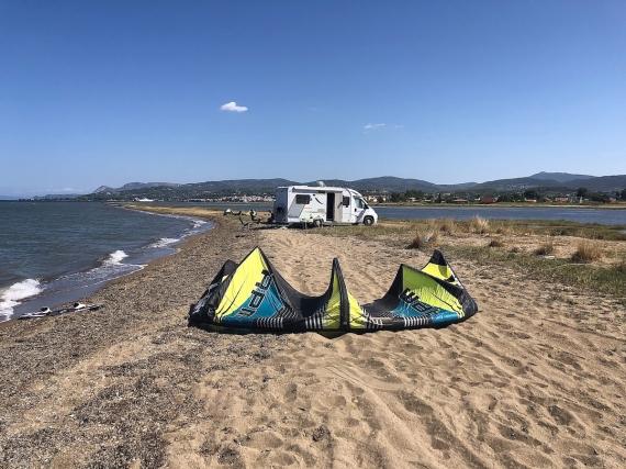 Oropos - moře a flat v jednom