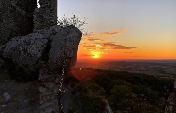 Západ z hradu nad Klentnicí...