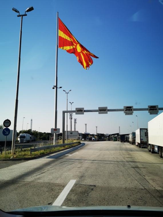 Cesta pohodová, na hranicích zatím prázdno..